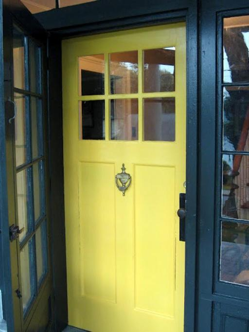 ci-that-old-house_yellow-front-door_s3x4_lg